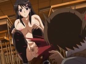 我慢出来ず同級生の包茎チンポを挿入しちゃうビッチな女子高生